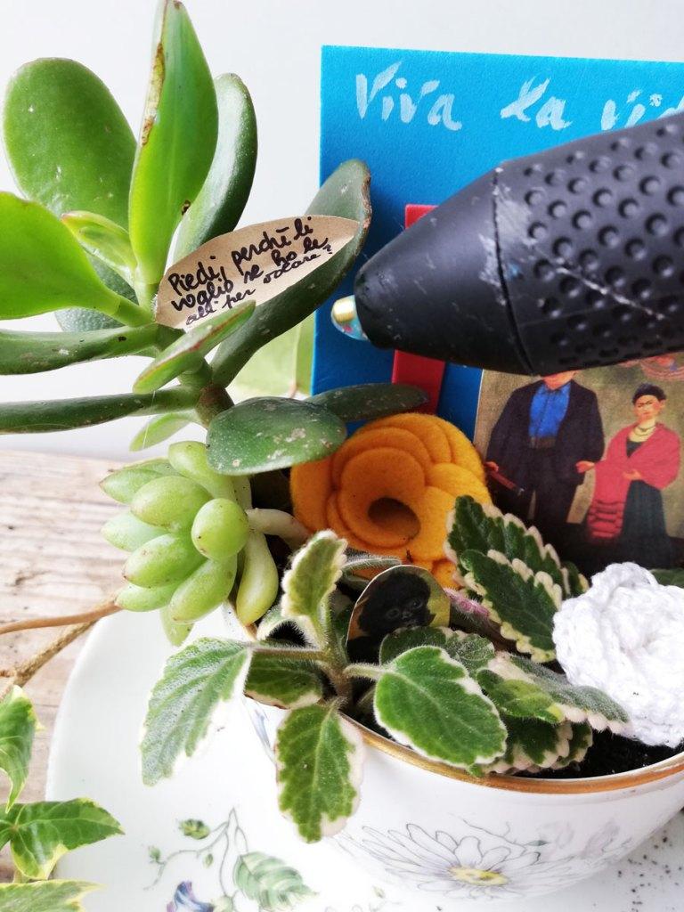 tazza con piante per decorazione frida khalo e diego rivera