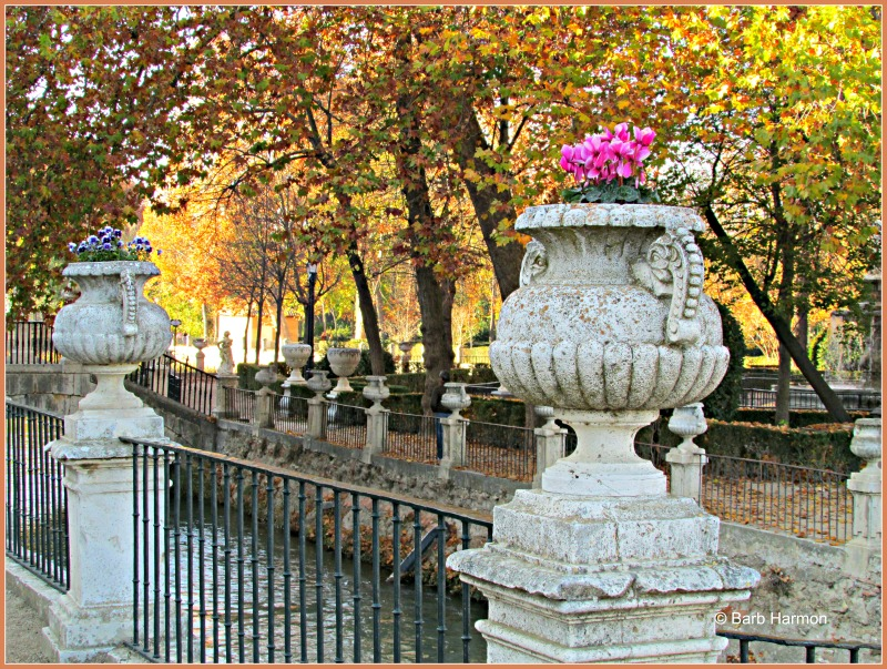 Urns on the Tagus river