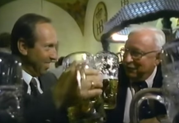 Ostrom with beer