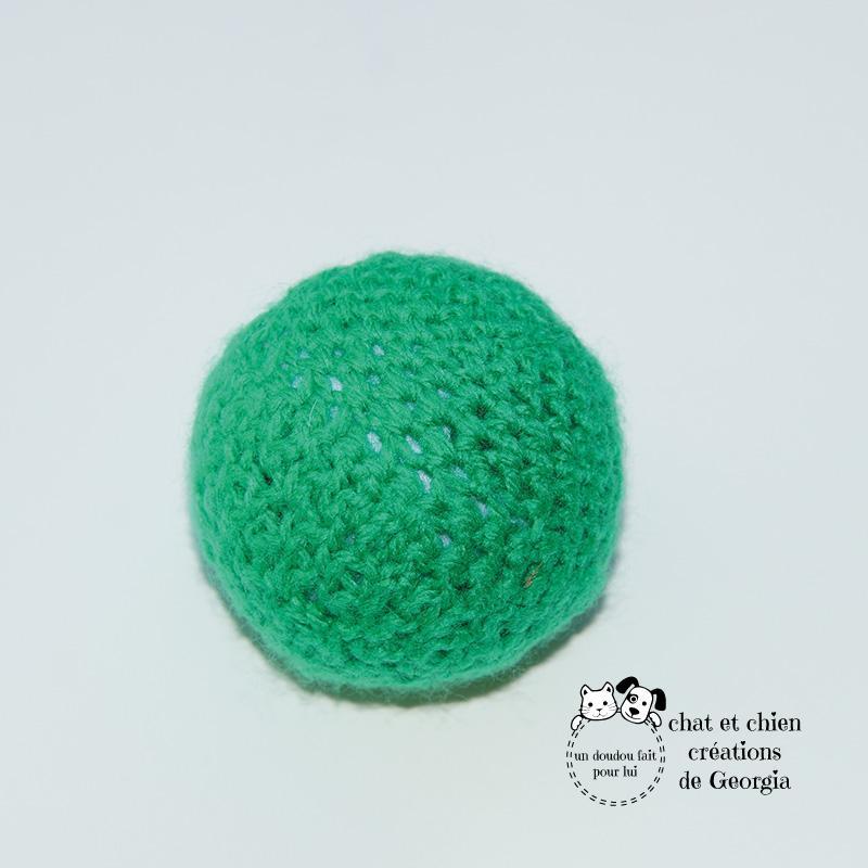 Ballaine couleur unie vert, jouet pour chien et chat créé par Georgia