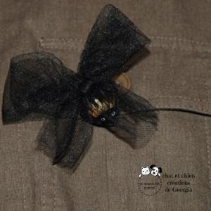 Broche Sophistiquée, accessoire mode créé par Georgia