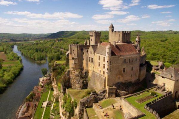 """Résultat de recherche d'images pour """"beynac chateau"""""""