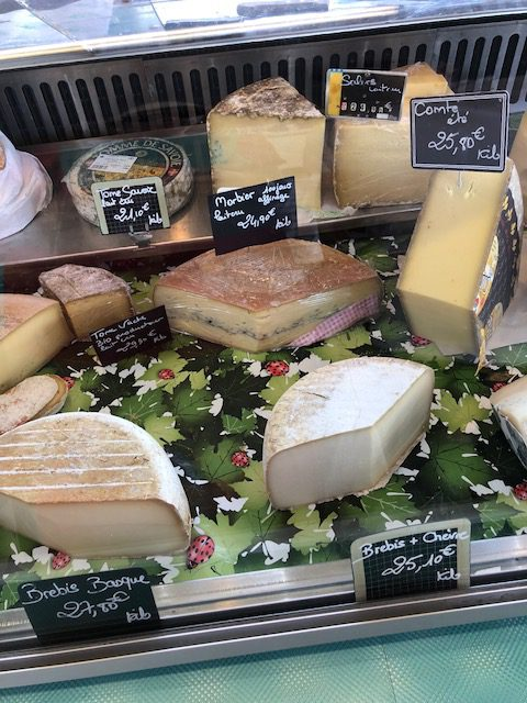local-french-market-chateau-cheese