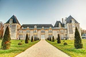 chateau de jalesnes garden loire valley france