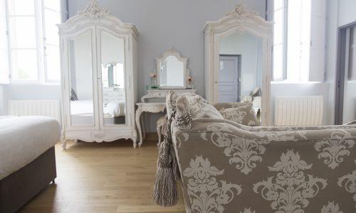 chateau de jalesnes hotel suite details loire valley france