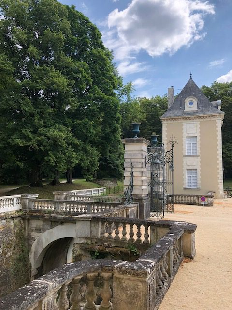 Château-de-Jalesnes-Clock-Tower-and-bridge