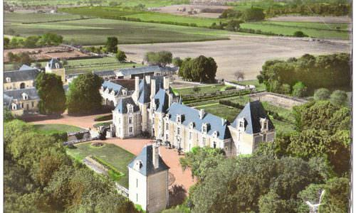 chateau-front-souheast-aerial-hand-tint