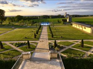 chateau de jalesnes loire valley france garden grounds