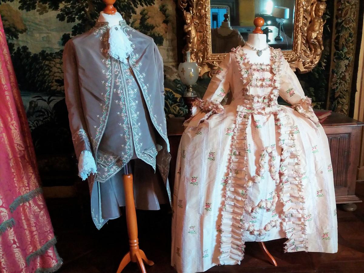 Saconay - Costumes Louis XV