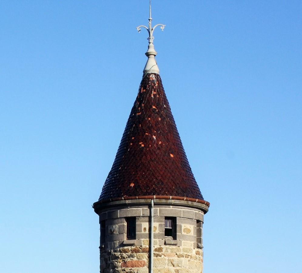 Saconay - Le toit de la tour du guet