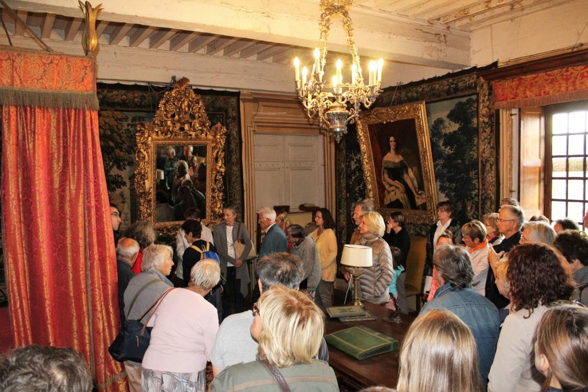 Saconay journee du patrimoine dans la chambre historiquemoine-dans-la-chambre-historique