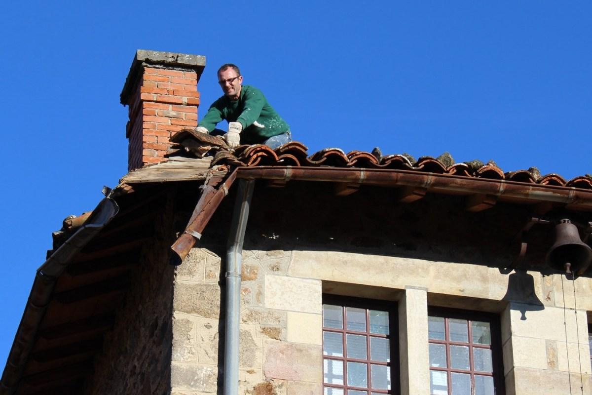 Saconay-Tanguy-sur-le-toit-le-plus-endomagé