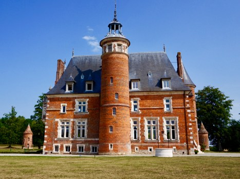 Château de Tilly facing west