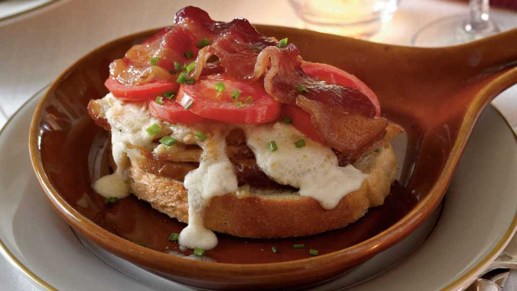 Kentucky Hot Browns www.chathamhillonthelake.com