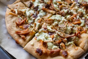 buffalo chicken pizza bread // chattavore