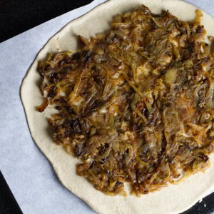 Apples on pizza may sound strange but I wouldn't lead you astray. This caramelized onion and apple pizza will change your perspective! | chattavore.com
