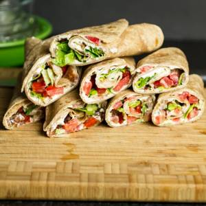 BLT ranch roll-ups are a great and simple lunch option!   chattavore.com