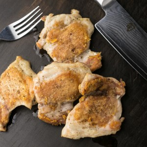 Even the most well seasoned and cooked chicken can be bland and dry, but these dry brined chicken thighs are juicy and flavorful every time. | recipe from Chattavore.com