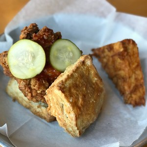 2 Sons Kitchen and Market, owned by Chef Nathan Flynt of Famous Nater's food truck fame, serves breakfast, lunch, and dinner in Downtown Chattanooga. #Chattanooga #DowntownChattanooga #CHA #CHAeats | Restaurant Review from Chattavore.com