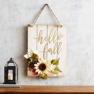 6 Free Autumn Wall Art Prints | Comes in 8x10 and 5x7 | Hey y'all! I'm back with MORE new freebies! Fall is just around the corner and if you love cozy real wood Autumn decor signs like this idea here...