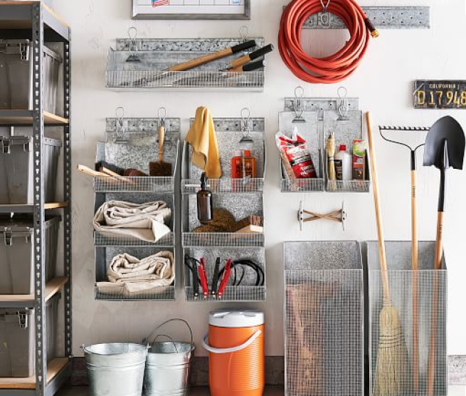 Hi friends! While were on the subject of organizing here, were going to talk about decluttering! Last time we chatted about 10+ easy ways to organize your craft space... I would love to share NEW methods and finds for how we could declutter our craft space... and stay decluttered... | chattycrafting.com |