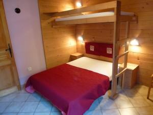 Chaudannes 15 - Chambre double avec lit savoyard