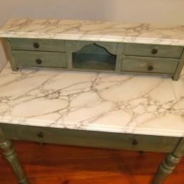 Petit meuble après patine et faux marbre blanc par chaux room