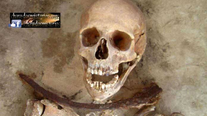 Durante os séculos XVII e XVIII, algumas práticas funerárias bastante incomuns tornaram-se comuns em toda a Polônia em resposta a um surto de vampiros.