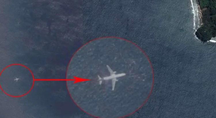O avião Boeing 777, com 239 passageiros a bordo, desapareceu a caminho de Pequim a partir de Kuala Lumpur