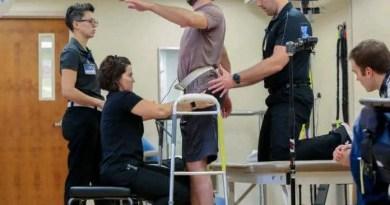 Jered Chinnock foi capaz de andar de forma independente por 102 metros