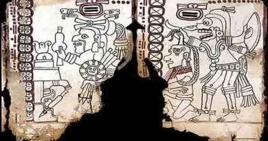 """Cinquenta e quatro anos depois de ter sido vendido por saqueadores, o Codex Maia do México, um antigo texto pictográfico maia foi declarado autêntico. O Instituto Nacional de Antropologia e História (INAH, México) através de uma conferência de imprensa confirmou que o texto do foi feito entre 1021 e 1154 dC e é o mais antigo documento pré-hispânico conhecido. As 10 páginas sobreviventes deste """"livro"""" dobrável serão agora conhecidas como o Codex Maia do México (anteriormente conhecido como o Codex Grolier). Presume-se que possa ter originalmente 20 páginas, mas algumas foram perdidas após séculos em uma caverna no estado de Chiapas, no sul do país."""