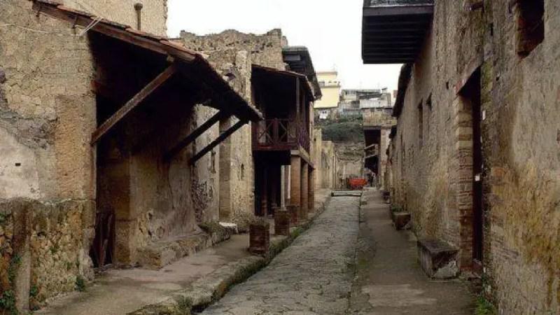 Os moradores de Herculano foram soterrados sob cerca de 20 metros de cinzas