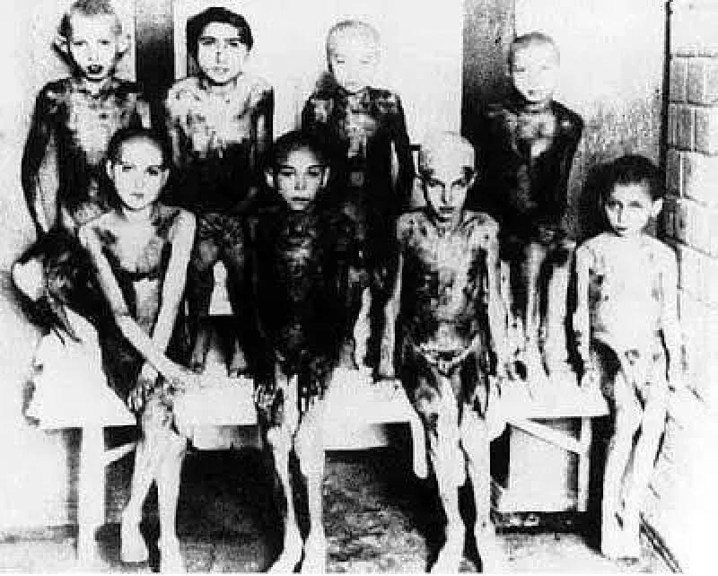 Mengele também usava outras cobaias, como anões e grávidas