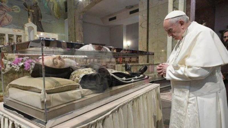 Os Dons extraordinários e a última e mais misteriosa profecia do Padre Pio