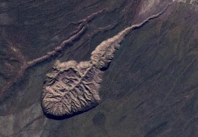 Cratera de Batagaika, República de Sakha, Rússia. Crédito Google Maps