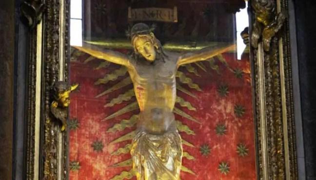 O crucifixo da Igreja de San Marcello e o significado esperançoso e milagroso para os católicos