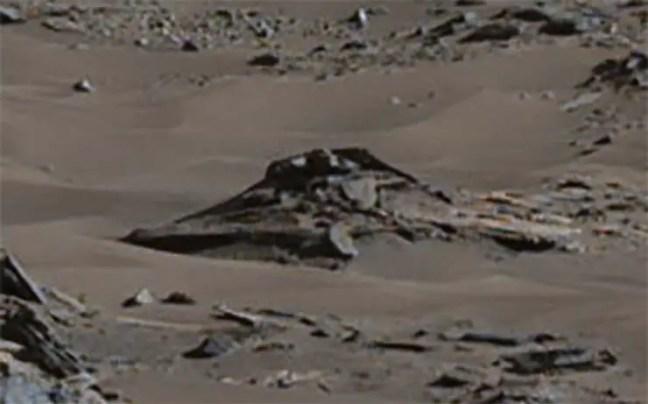 Imagem da NASA mostra um OVNI acidentado em Marte