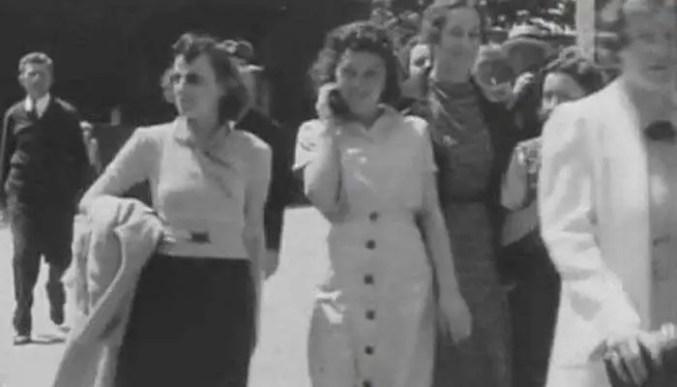 """Uma misteriosa mulher """"falando ao celular"""" em 1938: Uma viajante do tempo?"""