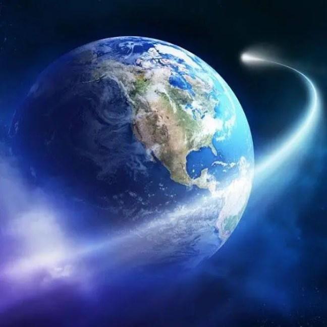 A variação na velocidade de rotação do planeta acontece constantemente e depende de diferentes fatores, como o movimento do núcleo derretido da Terra, dos oceanos e da atmosfera.