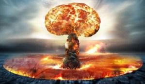 Bomba nuclear é um dispositivo explosivo que deriva sua força destrutiva das reações nucleares, tanto de fissão ou de uma combinação de fissão e fusão.