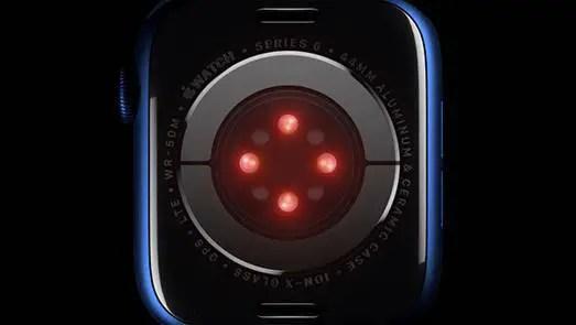 A Cada 5 Segundos, O IPhone Tira Uma Foto Do Proprietário Na Luz Infravermelha