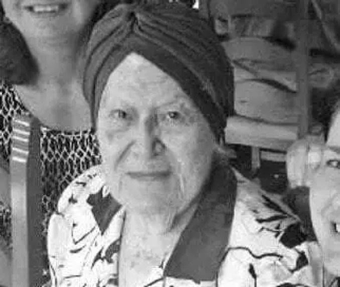 Shirley Wright teve dois PhDs - um em Química e um em Ciências Físicas. Ela levou uma vida boa e produtiva.