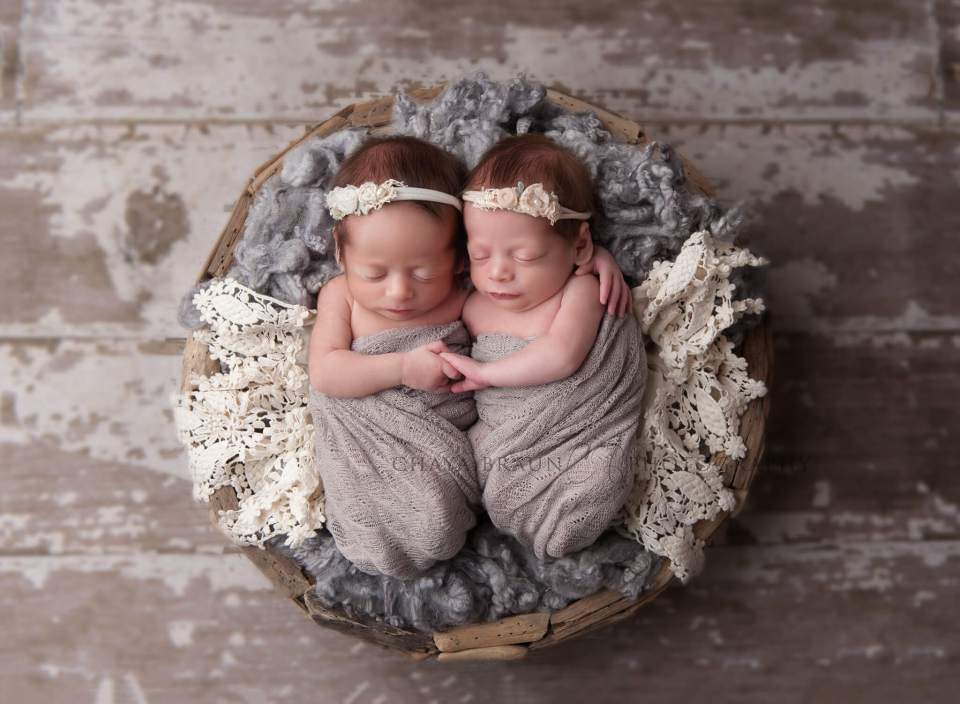 newborn baby twins photographer in Baltimore