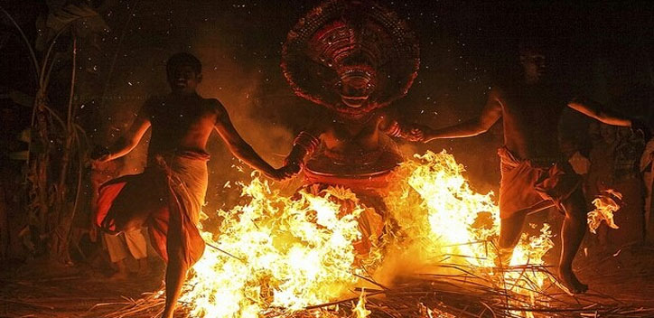 malabar-theyyam-chayilyam-04