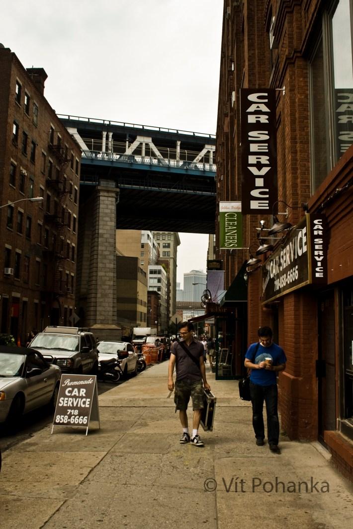 01 - v newyorských ulicích a hotelích nepotkáte jen lidi