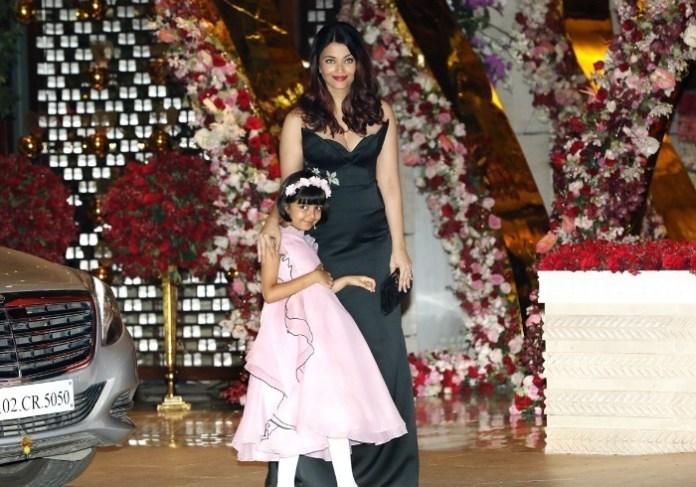 Aishwarya with Aradhya