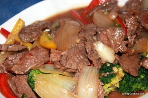 beef-broccoli-pepper-closeup