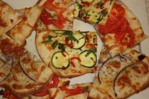 little pizzas or pizzettas