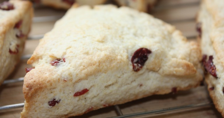Cream Scones with Sweetened Dried Cranberries