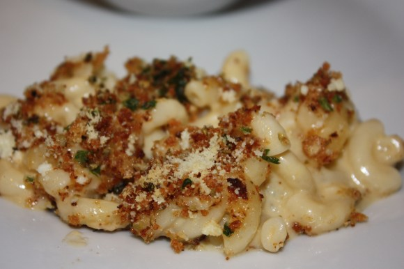 macaroni and cheese with blue cheese